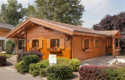 fertig holzhaus kaufen ebenerdiges wohnblockhaus pronaturhaus blaue lagune