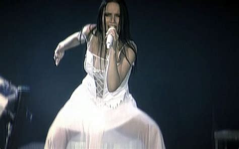 tarja turunen singing trust me when i tell you this woman can rock imo no