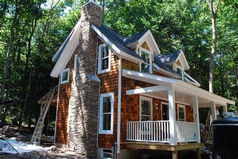 cedar shake house baxter pointe villa exterior details