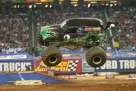 grave digger truck schedule get your truck on here s the 2014 jam