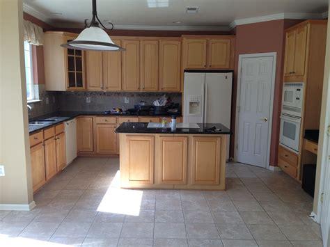 kitchen backsplash with oak cabinets and white appliances kitchen backsplash with oak cabinets and white appliances