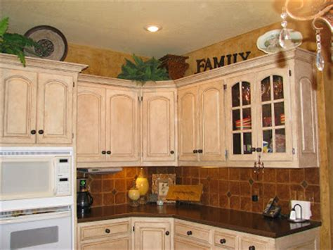 crackle kitchen cabinets crackle kitchen cupboards kitchen design ideas