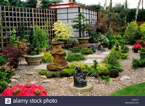 japanese style small garden england uk garden small garden