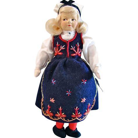 Handmade Felt Dolls - ronnaug petterssen handmade felt doll post world