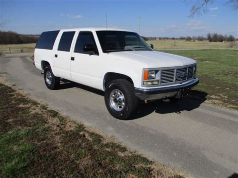 how cars run 1992 gmc suburban 2500 security system 3 4 ton 4x4 suburban 2500 only 84k miles w fuel injected 5 7l 350 auto overdrive