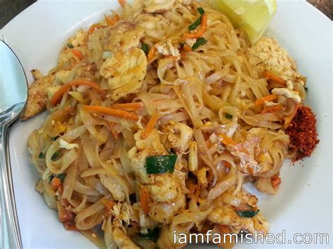 pad thai chicken i am famished