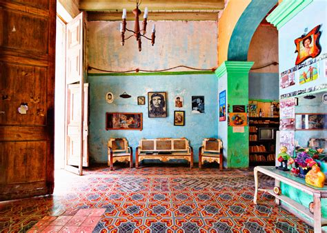 Period Homes And Interiors Magazine by Photographing The Disappearing Homes Of Castro S Cuba