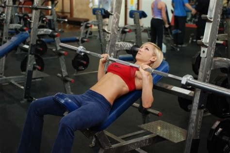 incline bench presses five most important strength training exercises