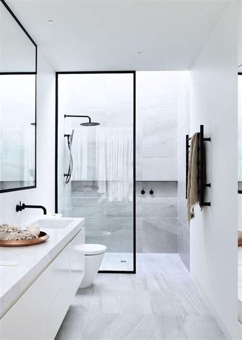 rote und schwarze badezimmer ideen 1001 ideen f 252 r designer badezimmer ihr traum geht in