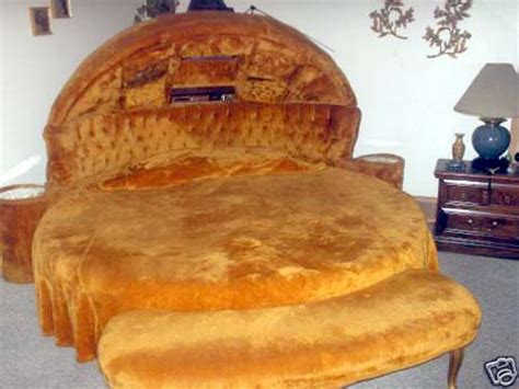 food bed elvis s hamburger bed for a luxury sleep 50 000