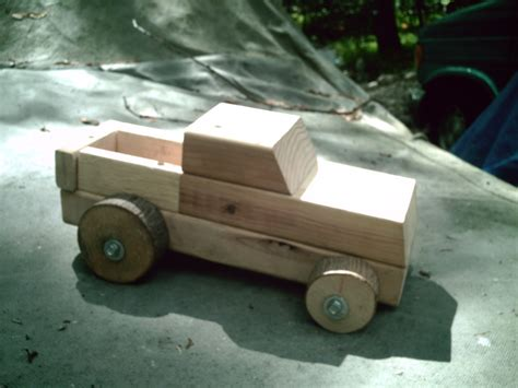 Wooden Skrew Truck build your own wood truckor car