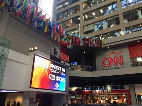 cnn tur cnn picture of cnn center inside cnn studio tour
