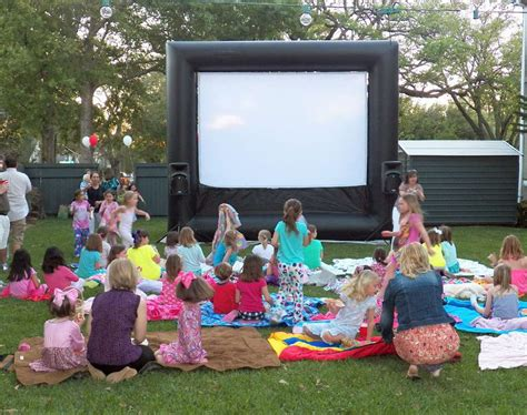 backyard movie party pics for gt backyard movie birthday party ideas