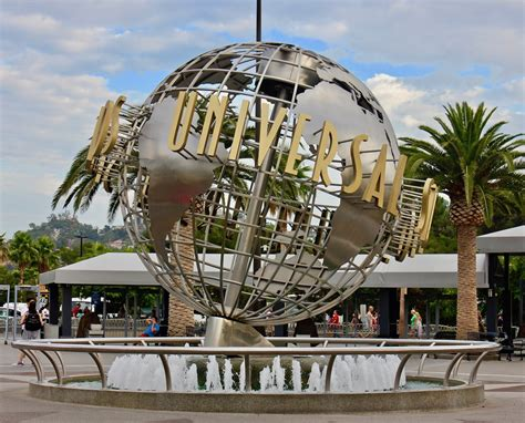 universal studios hollywood light show lights camera action 10 tips to maximize your time at
