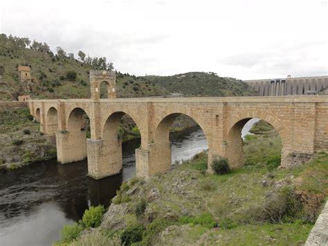 el puente de alcntara b00chj9gkm puente de alc 225 ntara lista roja del patrimonio