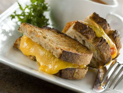 the best cheese for grilled cheese sandwiches