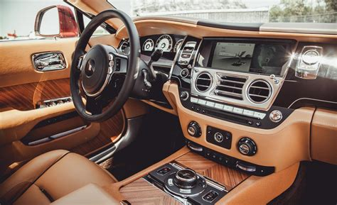 interior rolls royce wraith car and driver