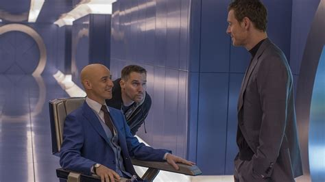 Set Bryan talking apocalypse secrets on the set with bryan