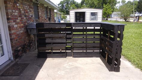 Outdoor tiki bar from 6 recycled pallets amp less than 50 1001 pallets