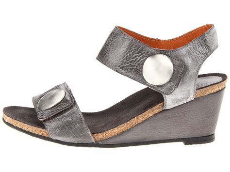 beautiful and comfortable shoes the balanced wardrobe comfortable and beautiful women shoes