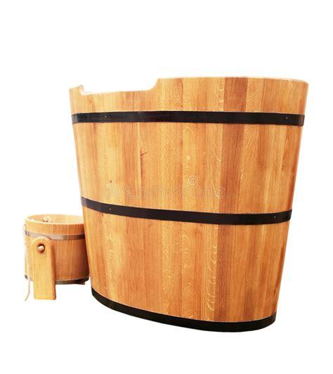capienza vasca da bagno vasca da bagno di legno immagine stock immagine di