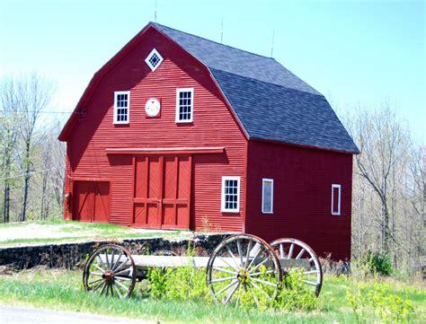 panoramio photo  red barn  winthrop maine