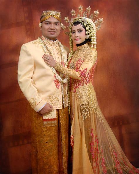Foto Prewedding Adat Jawa Timur by Gambar Baju Pengantin Jawa Related Keywords Gambar Baju