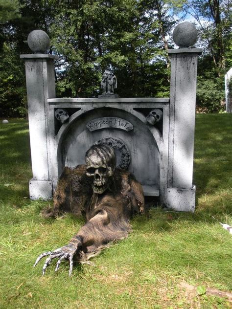 17 Best Ideas About Scary by 17 Best Ideas About Scary Decorations On