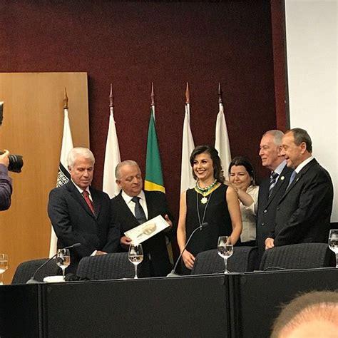 consolato brasile roma visti la console riceve la medaglia al merito consolare