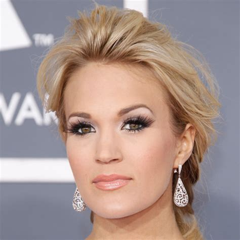 carrie underwood eye color what s carrie underwood s eye color
