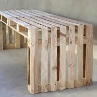 tuintafel van pallets zelf maken houten tafel van een pallet