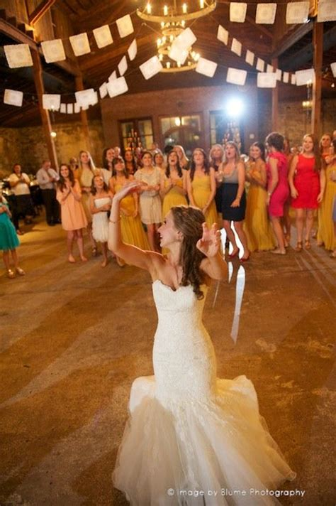 Wedding Bouquet Tradition by 17 Best Images About The Bouquet Garter Toss On