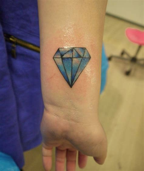 56 fantastic wrist diamond tattoos