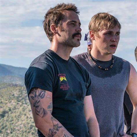 taylor kitsch tattoo kitsch and ben hardy in only the brave 2017