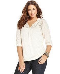 Longsleev Newyork tops on plus size shorts plus size and