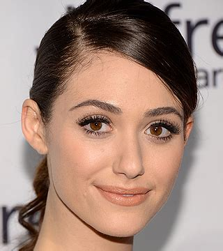 emmy rossum eye makeup emmy rossum s eye makeup is an optical illusion stylecaster