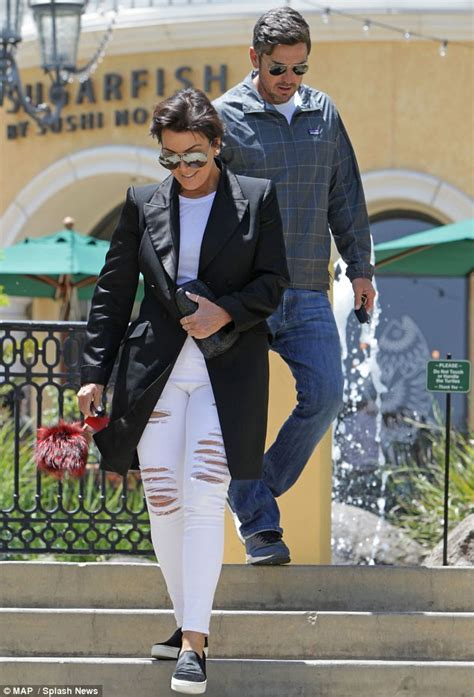 Kris Jenner has lunch in Calabasas with mystery man