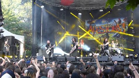 alestorm nancy the tavern wench live official alestorm nancy the tavern wench live at heavy mtl