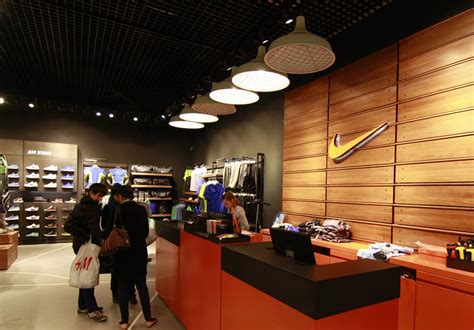 nike store lighting