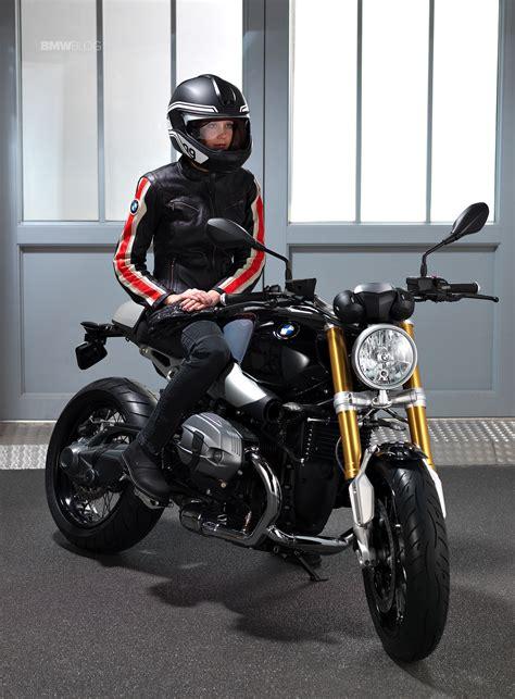 Bmw Motorrad Helmet With Head Up Display by Bmw Motorrad Presents A Helmet With Head Up Display