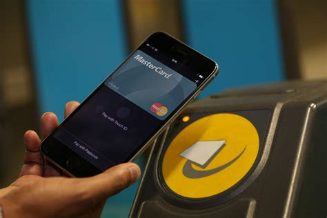 Apple Way mastercard will bring apple pay to swiss customers this summer