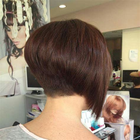 short layered hairstyles with short at nape of neck lovely inverted layered bob cool haircuts pinterest