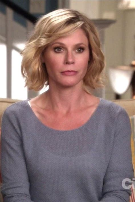 claire from modern family haircut 43 best images about modern family claire julie bowen on