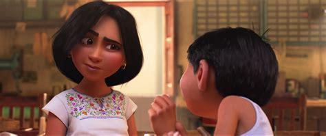 film coco quel age fran 231 ais luisa personnage dans coco pixar planet fr