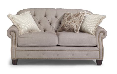 Flexsteel Recliners Dealers by Flexsteel Chion Transitional Button Tufted Loveseat With Rolled Arms And Nailheads Olinde S