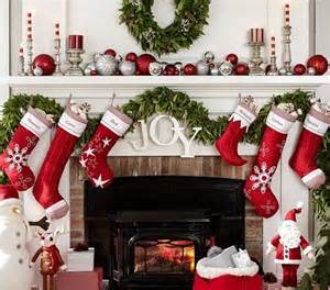 how to decorate a fireplace for christmas best 20 christmas fireplace decorations ideas on pinterest