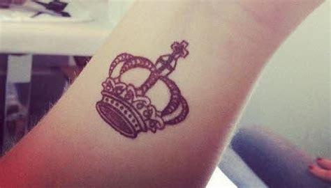 imagenes tatuajes para mujer imagenes de tatuajes mujeres corona en muneca tatuajes