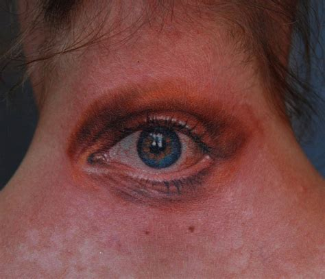 eyeball tattoo on neck creepy neck eye realistic tattoo best tattoo ideas gallery