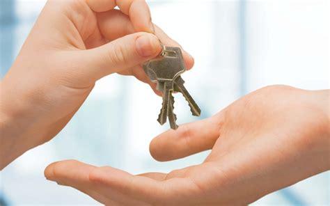 es valida la entrega de llaves   administrador  dar por terminado el alquiler