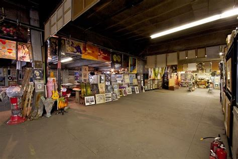 Nyc Sanitation Garages by There S A Trash Gallery In This Nyc Sanitation Garage On